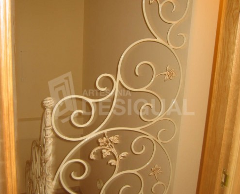 Barandilla para escaleras interiores realizada en aluminio